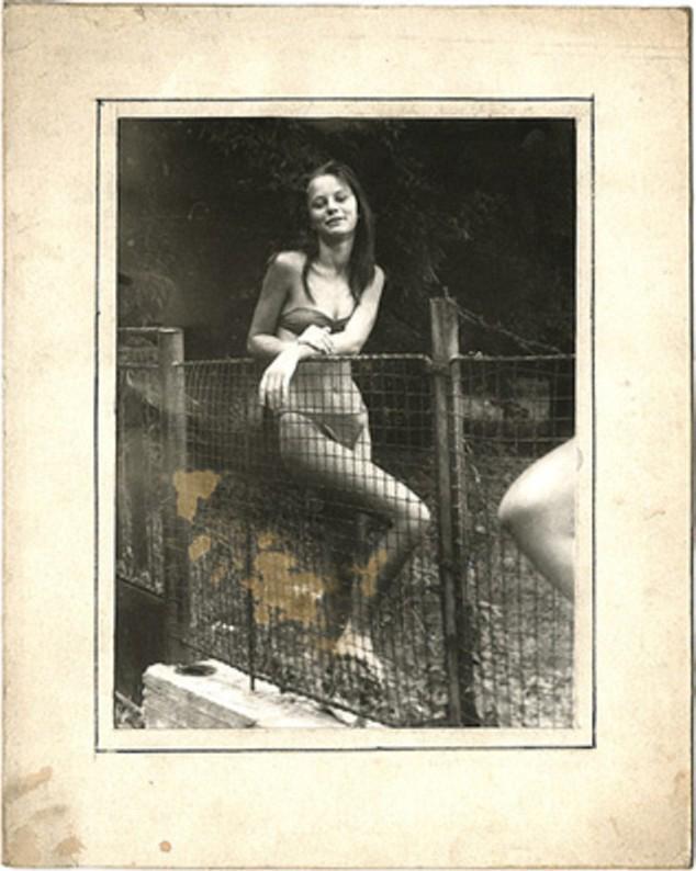 Fotógrafo andrajoso para el ideal femenino