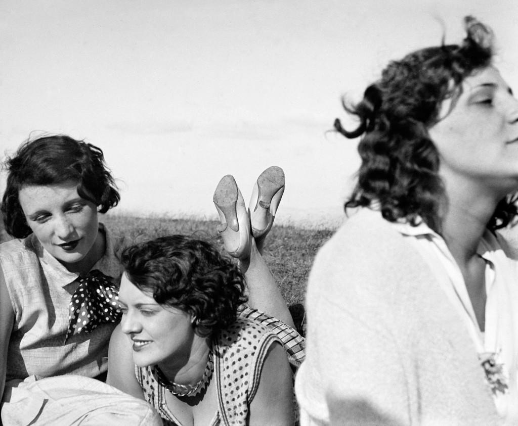 Bibi, Freddy, Margot. Aix-les-Bains, July 1928 (© Ministère de la Culture – France / AAJHL)