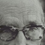 William S. Burroughs with Glasses, Kansas - Herb Ritts, 1990arriba