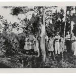 Fort Lauderdale, Florida (EE UU) Niños visitando a una víctima de un linchamiento (Images courtesy of the National Center for Civil and Human Rights c/o Autograph ABP)