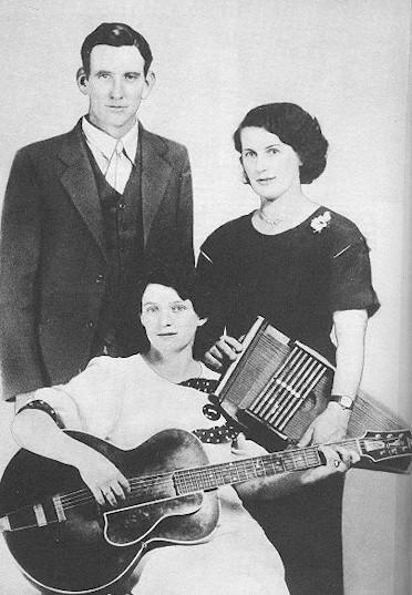 The Carter Family: Maybelle (sentada), A.P. y Sara