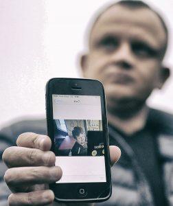 Lukasz Urban, en el último 'selfie' que envió a sus familiares - Foto: AP